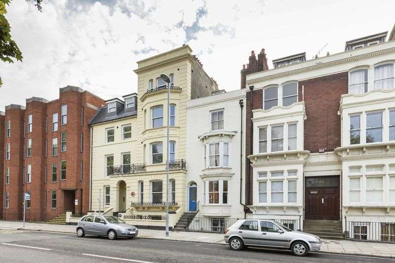2 Bedrooms Flat for sale in Hampshire Terrace, Portsmouth