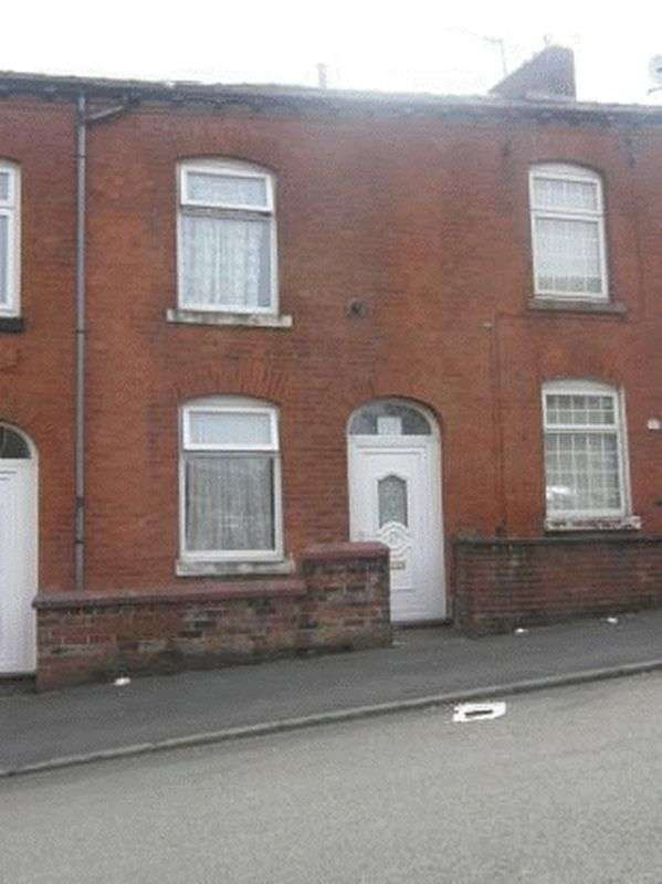 3 Bedrooms Terraced House for sale in Wellington Road, Oldham