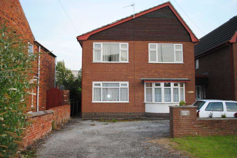 2 Bedrooms Flat for sale in Lytham Rd, Warton, , PR4 1AD