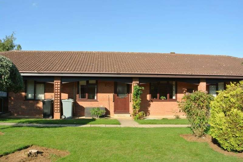 2 Bedrooms Bungalow for sale in St. Edmunds Court, Grantham