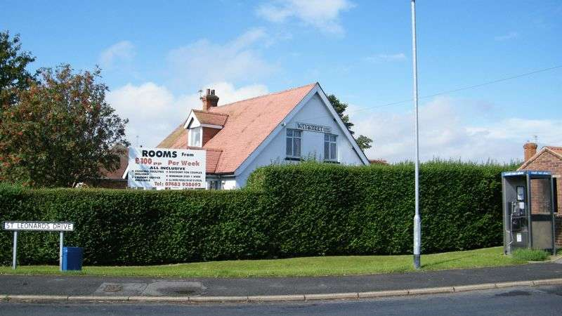 8 Bedrooms Detached House for sale in 70 Sea Road, Chapel St Leonards, Skegness, Lins, PE24 5RX