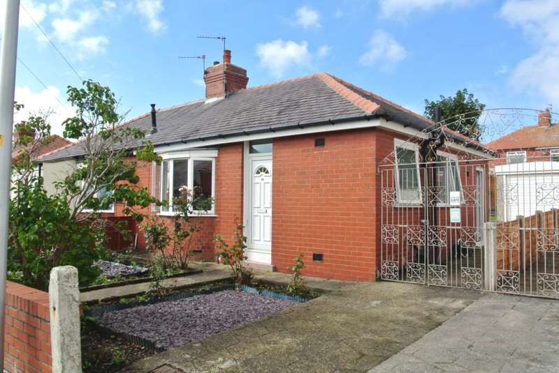 2 Bedrooms Semi Detached Bungalow for sale in Kelvin Road, Thornton Cleveleys, FY5 3AF