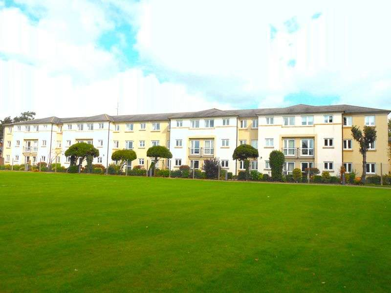 1 Bedroom Flat for sale in Lefroy Court Talbot Road, Cheltenham: NO CHAIN one bed second floor retirement apartment