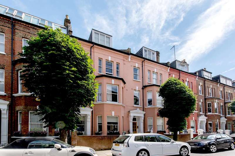 2 Bedrooms Flat for sale in Hamilton Gardens, St John's Wood, NW8