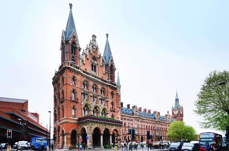 2 Bedrooms Flat for sale in St Pancras Chambers, Camden, NW1