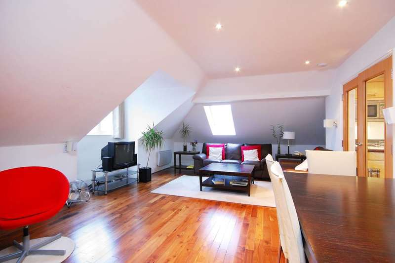 2 Bedrooms Flat for sale in Brentford Lock, Brentford, TW8