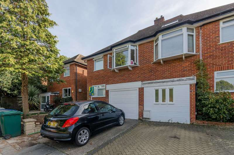 3 Bedrooms House for sale in Squirrels Close, Woodside Park, N12