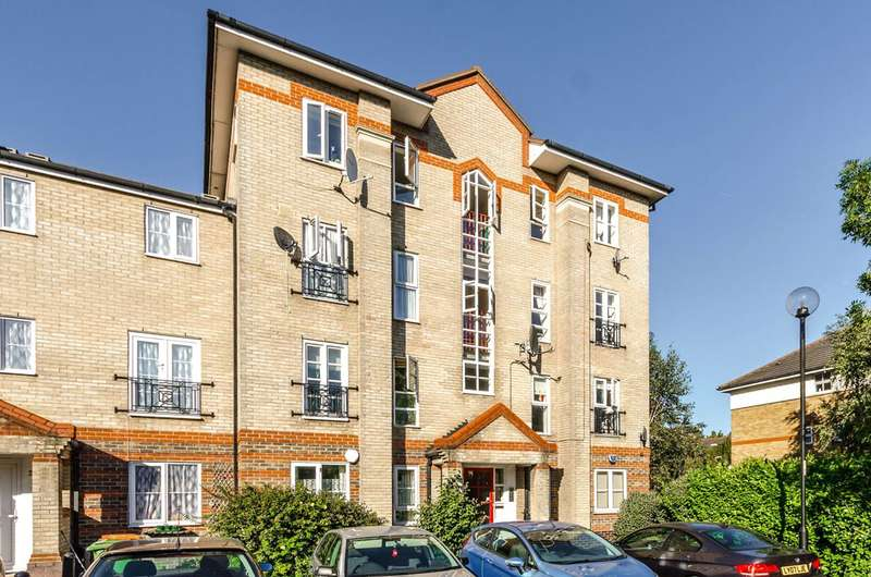 2 Bedrooms Flat for sale in Tollgate Road, Beckton, E6