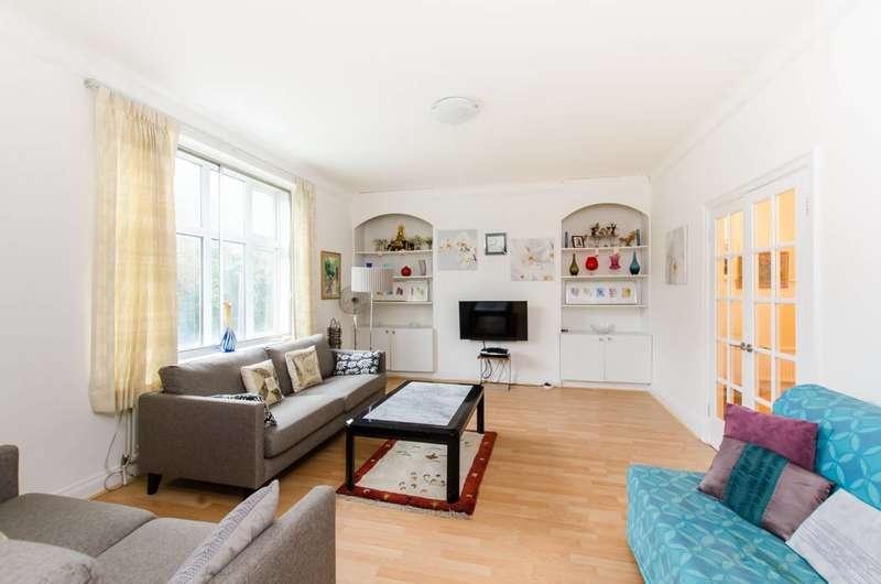 3 Bedrooms Flat for sale in Putney Hill, Putney, SW15