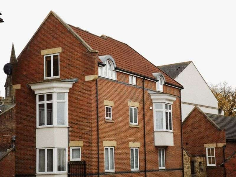 2 Bedrooms Flat for sale in Chantry Mews, Morpeth - Two Bedroom Top Floor Apartment