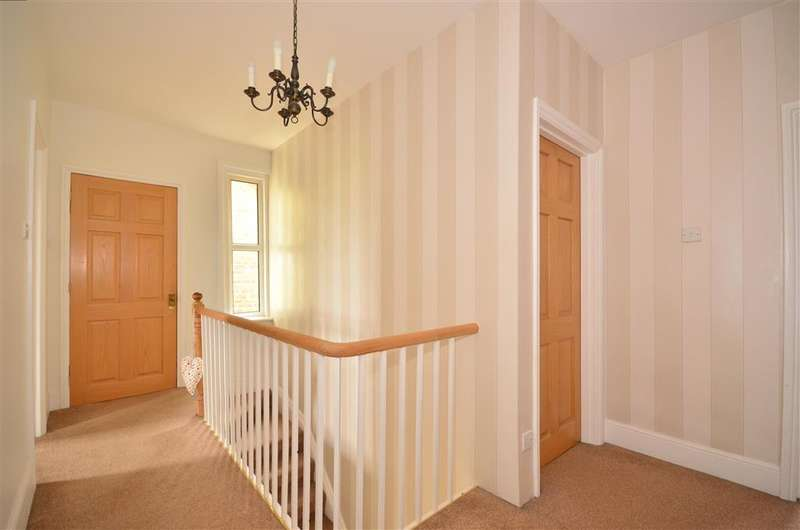 4 Bedrooms Semi Detached House for sale in New Road, Brading, Isle of Wight