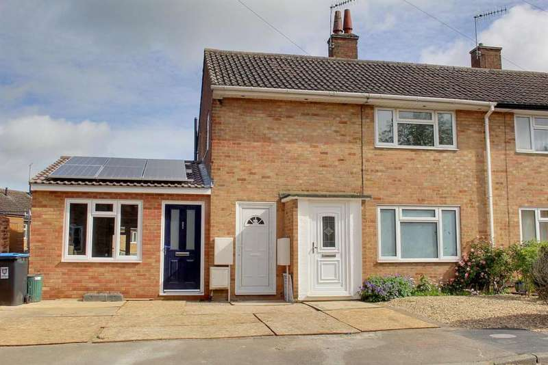 2 Bedrooms Maisonette Flat for sale in Commons Lane, Hemel Hempstead