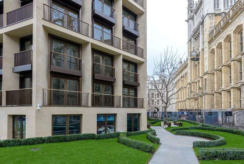 1 Bedroom Flat for sale in St Dunstan's Court, 133-137 Fetter Lane, EC4A
