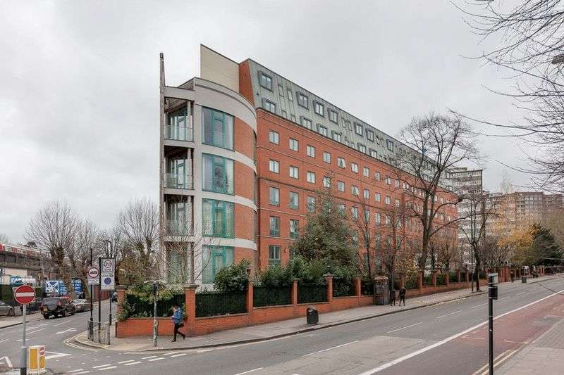 3 Bedrooms Property for sale in Jubilee Heights Shoot Up Hill London NW2