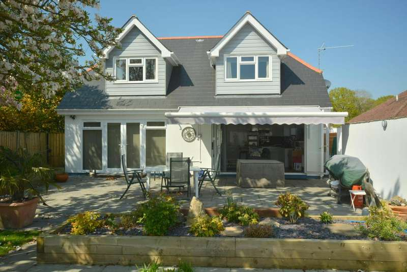 3 Bedrooms Chalet House for sale in Wimborne
