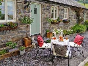 2 Bedrooms Terraced House for sale in Bryn Ysgol, Ysbyty Ifan, Betws-Y-Coed, Conwy, LL24