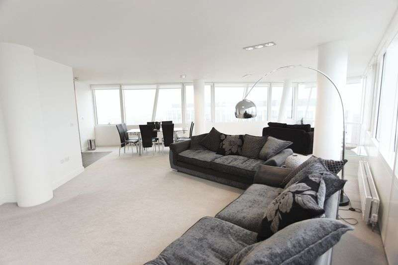 3 Bedrooms Flat for rent in One Park West, Strand Street, Liverpool City Centre, L1 8ND (Opposite Albert Docks)