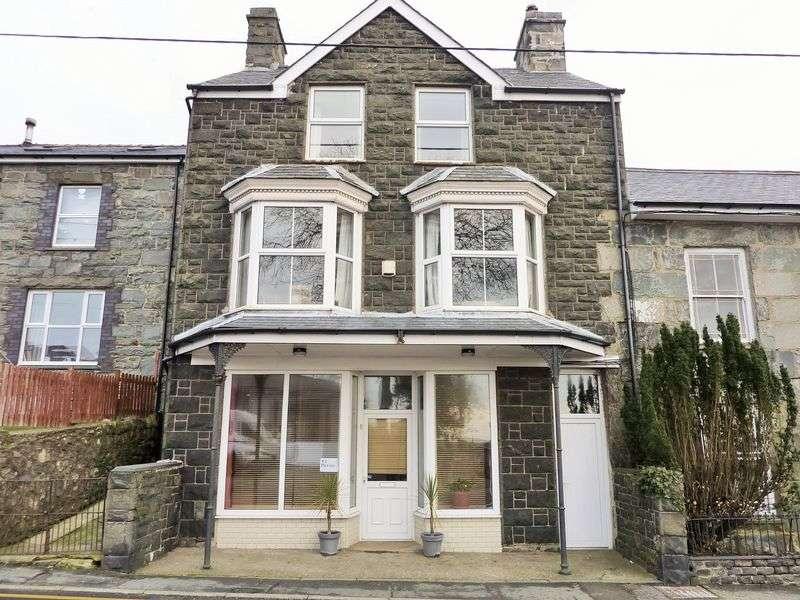 4 Bedrooms Semi Detached House for sale in Dyffryn Ardudwy, Gwynedd.