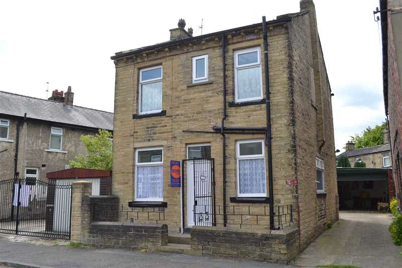 3 Bedrooms Detached House for sale in Halstead Place, Great Horton, Bradford