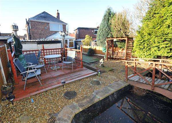 3 Bedrooms Detached House for sale in 152 Lords Street, Cadishead, M44 5YB