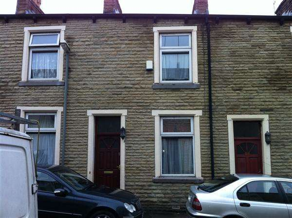 2 Bedrooms Terraced House for sale in Burns Street, BURNLEY