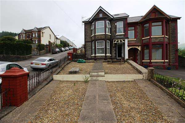 5 Bedrooms Semi Detached House for sale in Berw Road, Tonypandy