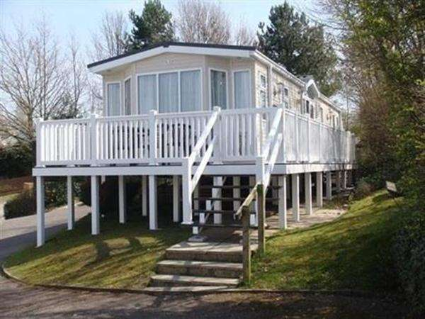 2 Bedrooms Park Home Mobile Home for sale in Rockley Vale, Rockley Park, Poole