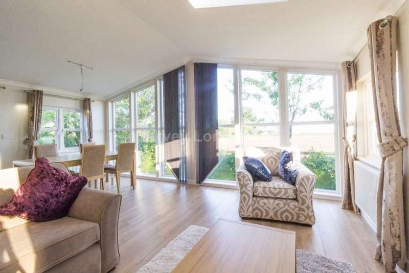 2 Bedrooms Park Home Mobile Home for sale in Wrotham, Kent