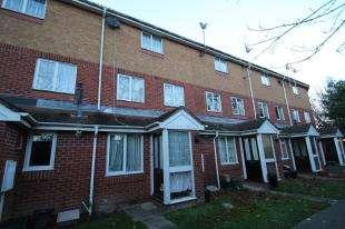 1 Bedroom Maisonette Flat for sale in Kelvin Gardens, Croydon