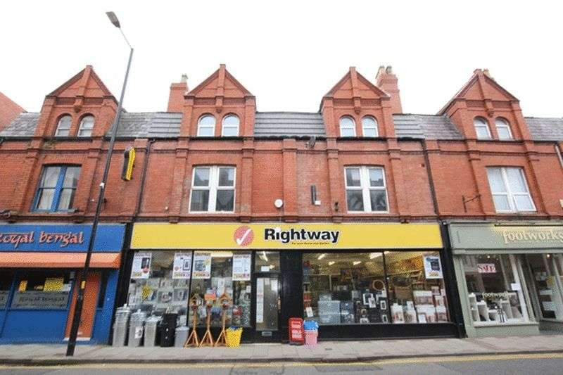 3 Bedrooms Flat for sale in Banks Road, West Kirby, Wirral