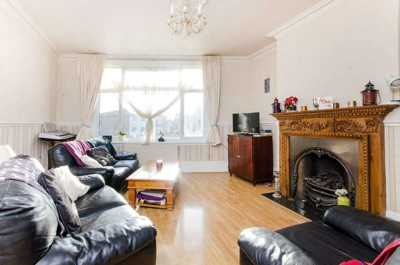 3 Bedrooms Flat for sale in Mitcham Lane, Streatham, SW16