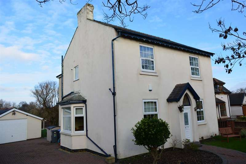 4 Bedrooms Detached House for sale in Stockydale Road, Marton Moss, Blackpool, FY4 5HP