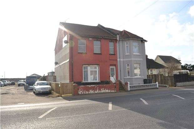 2 Bedrooms Flat for sale in Flat, Bexhill Road, ST LEONARDS, East Sussex, TN38 8AR