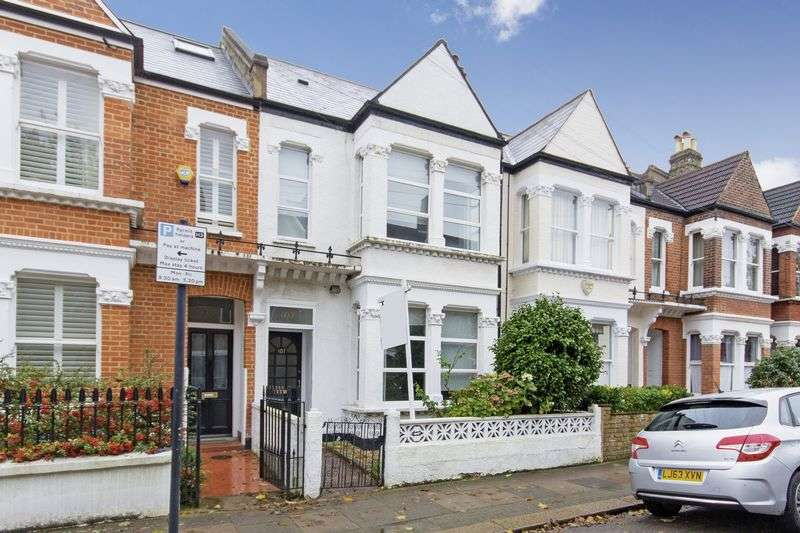 3 Bedrooms Terraced House for sale in Boundaries Road, Balham