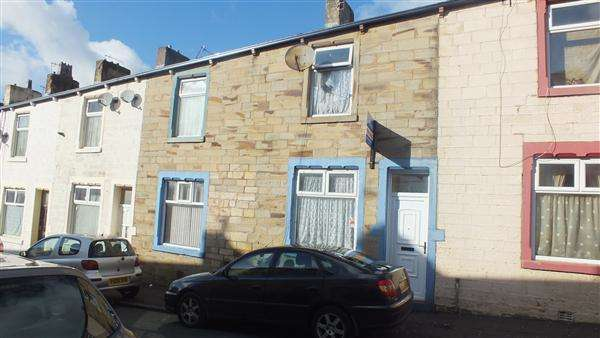 4 Bedrooms Terraced House for sale in Gordon Road, Burnley