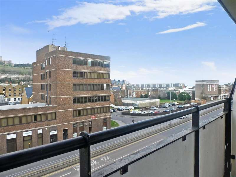 2 Bedrooms Flat for sale in Lancaster Road, Dover, Kent