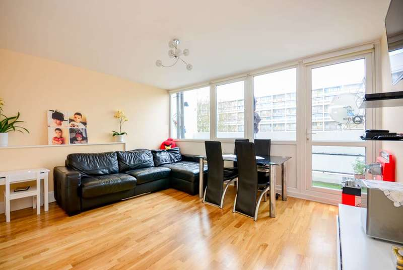 2 Bedrooms Maisonette Flat for sale in Barrington Road, Brixton, SW9