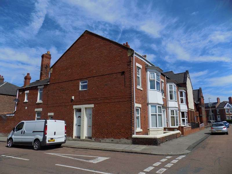 2 Bedrooms Flat for sale in Alverthorpe Street, South Shields