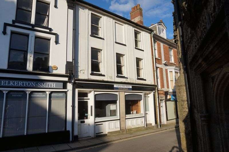3 Bedrooms Flat for sale in Church Street, Launceston