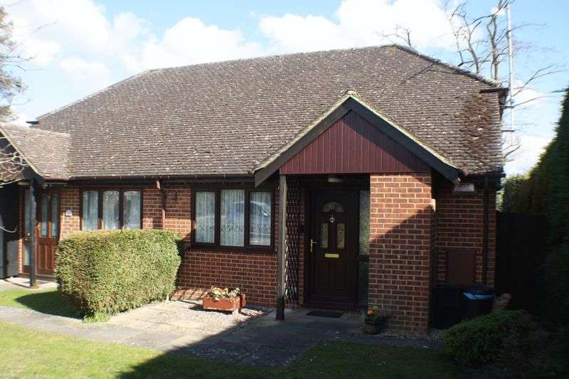 1 Bedroom Semi Detached Bungalow for sale in Coniston Close, Woodley