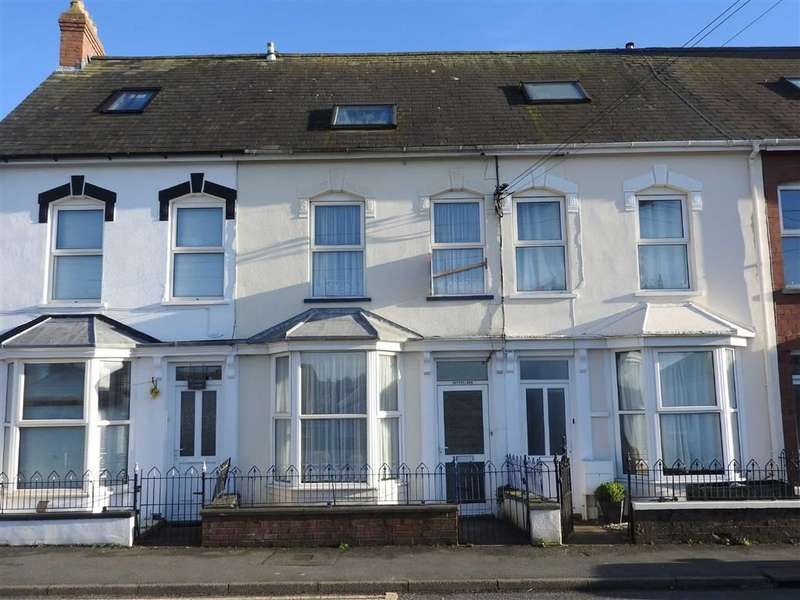 4 Bedrooms Property for sale in Aberystwyth Road, CARDIGAN