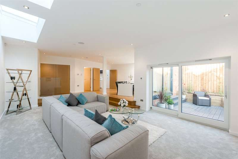 3 Bedrooms Detached House for sale in Berwyn Road, Richmond, TW10
