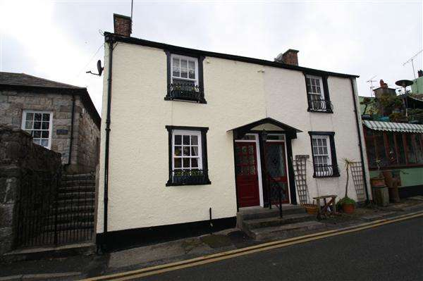 2 Bedrooms Semi Detached House for sale in Steeple Lane, Beaumaris