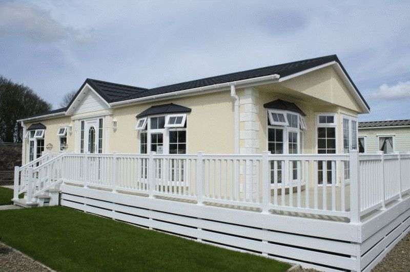 2 Bedrooms Bungalow for sale in Moor Lane Leisure Park 101 Moor Lane PR8 3NY