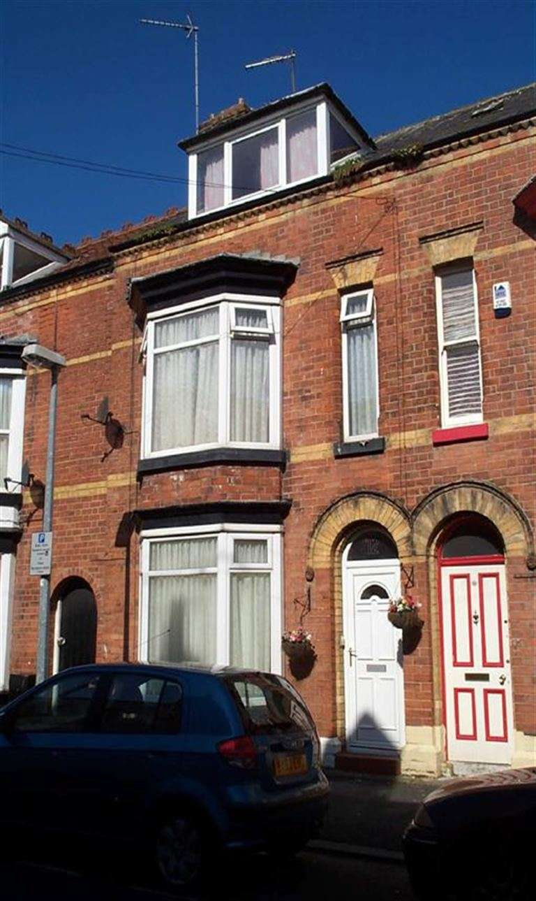 5 Bedrooms Terraced House for sale in Westmoreland Grove, BRIDLINGTON, East Riding Of Yorkshire, YO15