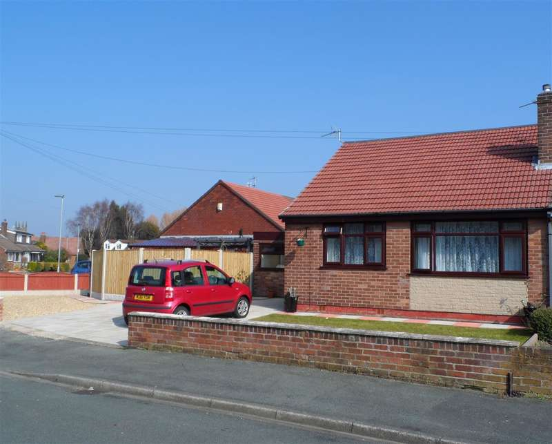 3 Bedrooms Bungalow for sale in Astley Close, Warrington