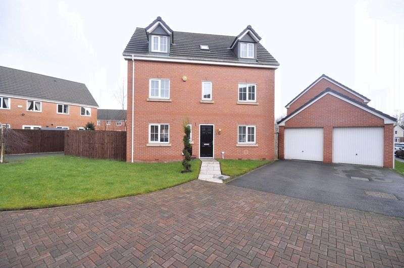 5 Bedrooms Detached House for sale in West Malling Close, Heywood