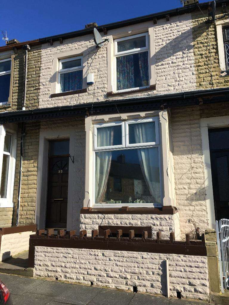 4 Bedrooms Terraced House for sale in Adamson Street, Burnley, BB12 6RB