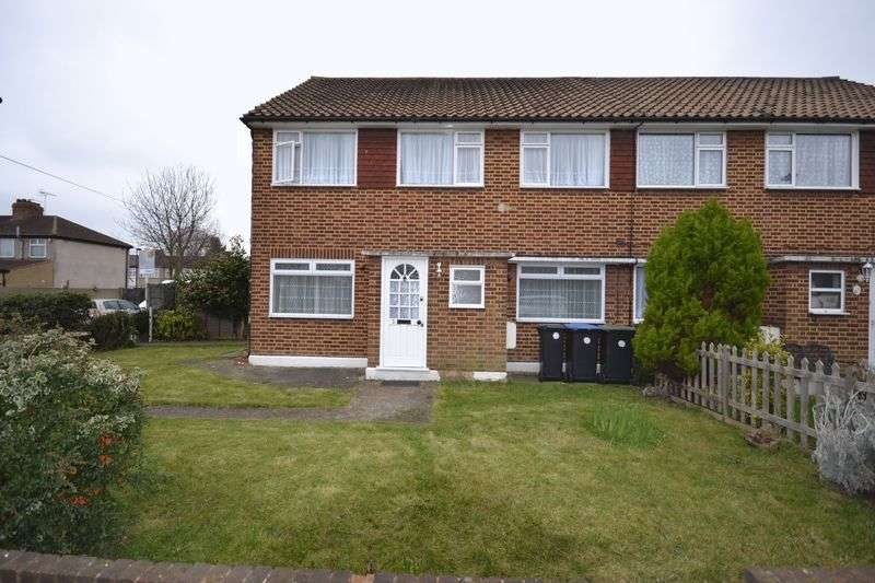 2 Bedrooms Flat for sale in Eagle Close, Enfield