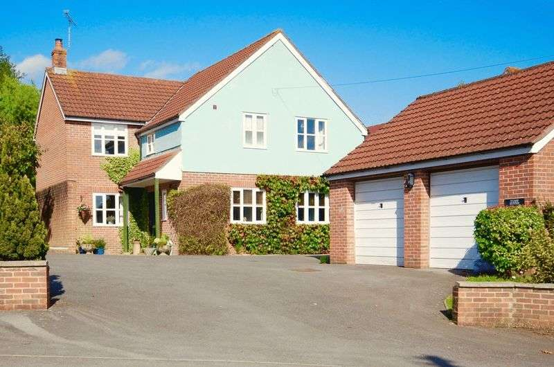 4 Bedrooms Detached House for sale in Butleigh Road, Glastonbury